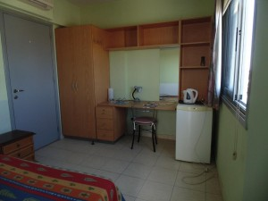 008 Single en-suite room